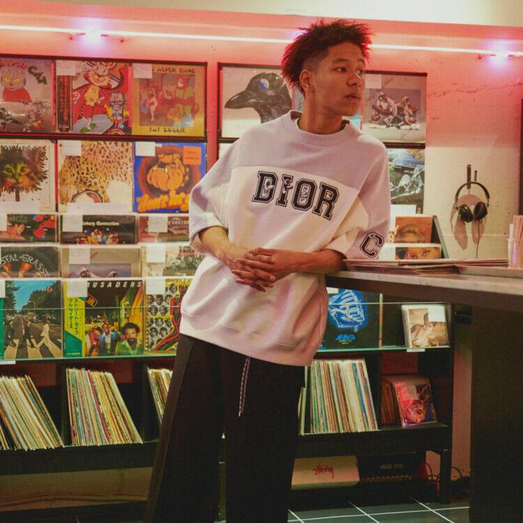 溢れ出す、ケニー・シャーフのアート!〈DIOR〉の最新コレクションが、いよいよオンラインで先行発売スタート!